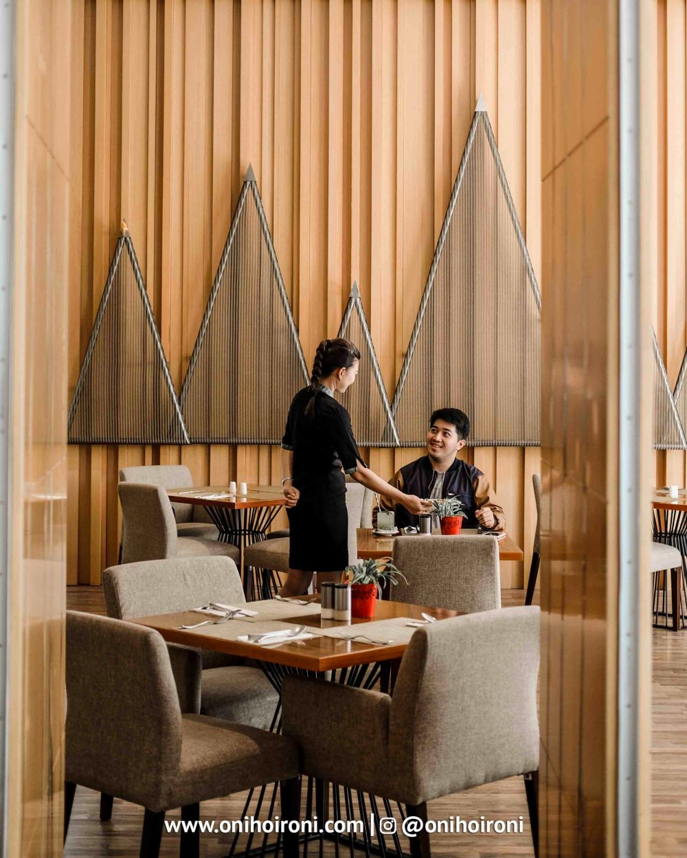 7 Botany Restaurant Holiday Inn Kemayoran Jakarta Oni hoironi