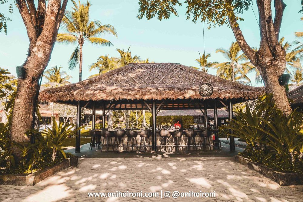 7 Sunset beach bar and grill intercontinental bali resort oni hoironi restaurant di jimbaran