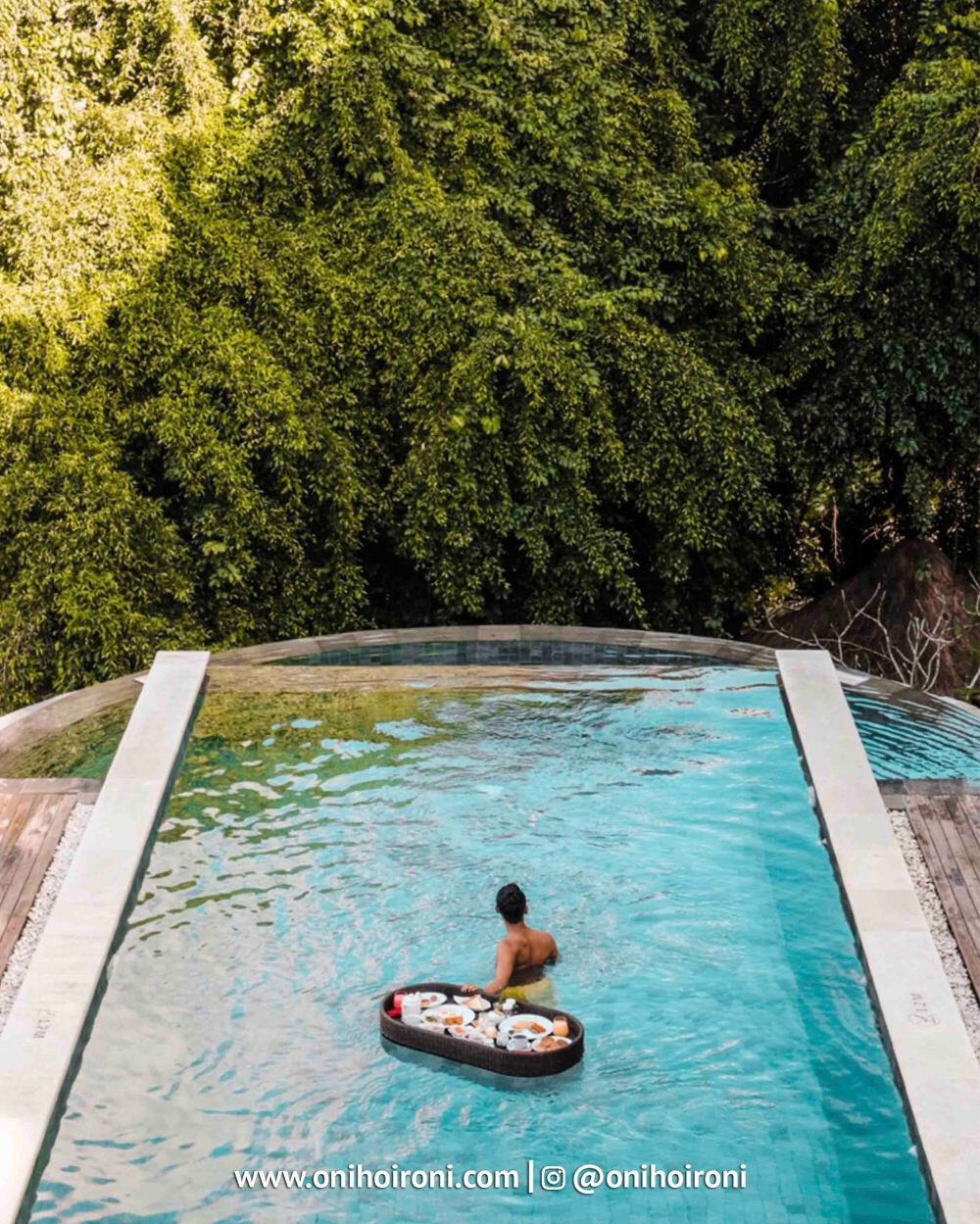 2 Floating breakfast di ubud sthala ubud bali