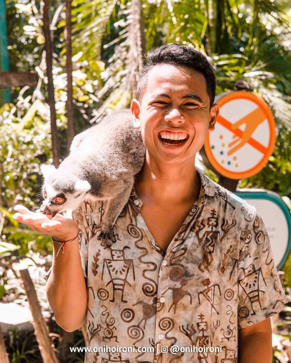 8 Bali Zoo Oni Hoironi Elephant mud fun