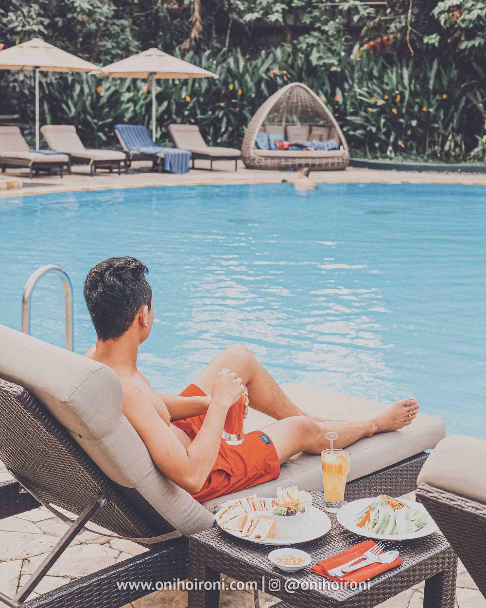 2 Review Swimming Pool kolam renang Shangrila Surabaya Hotel Oni hoironi