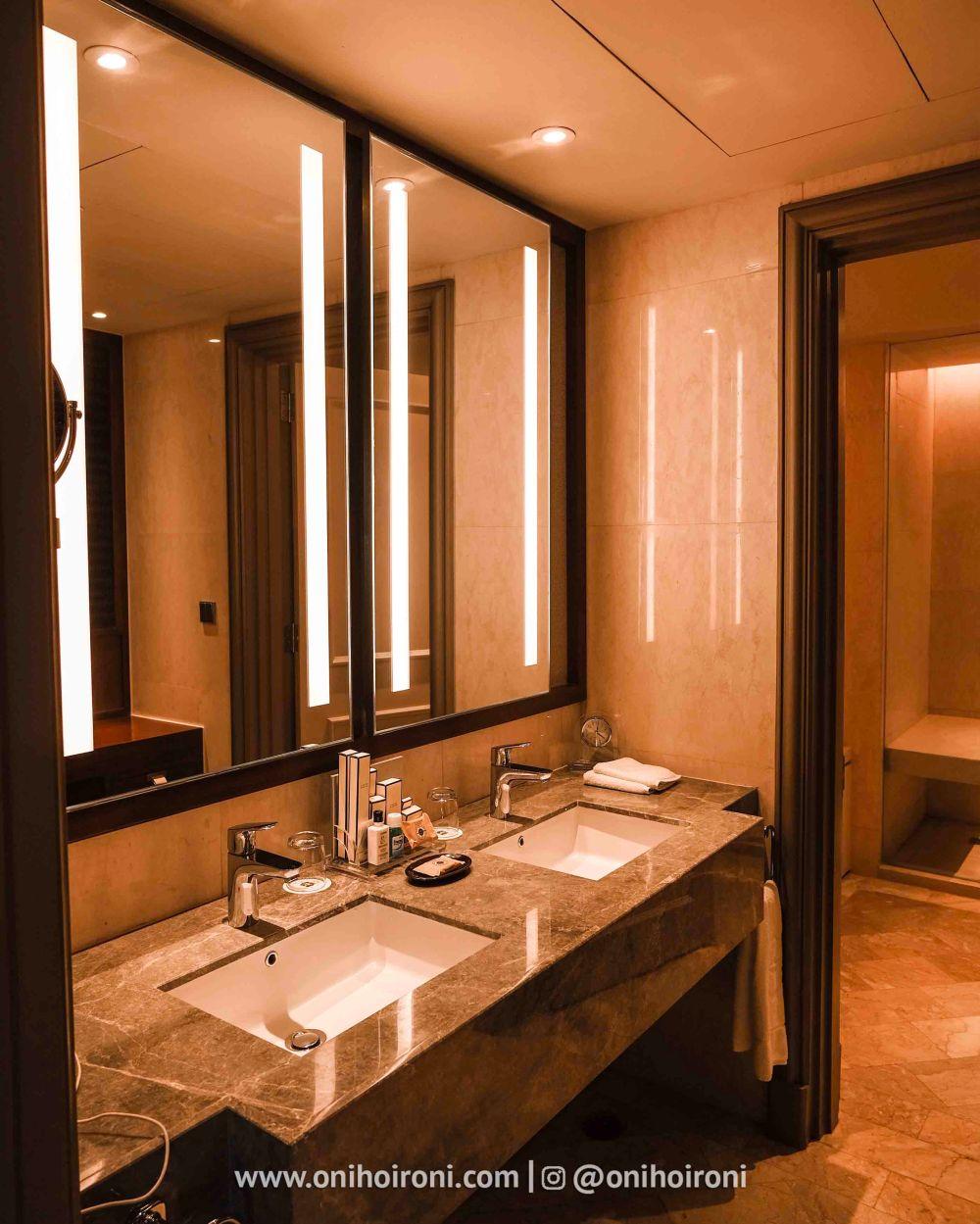 3 Review ROOM KAMAR Shangrila Surabaya Hotel Oni hoironi