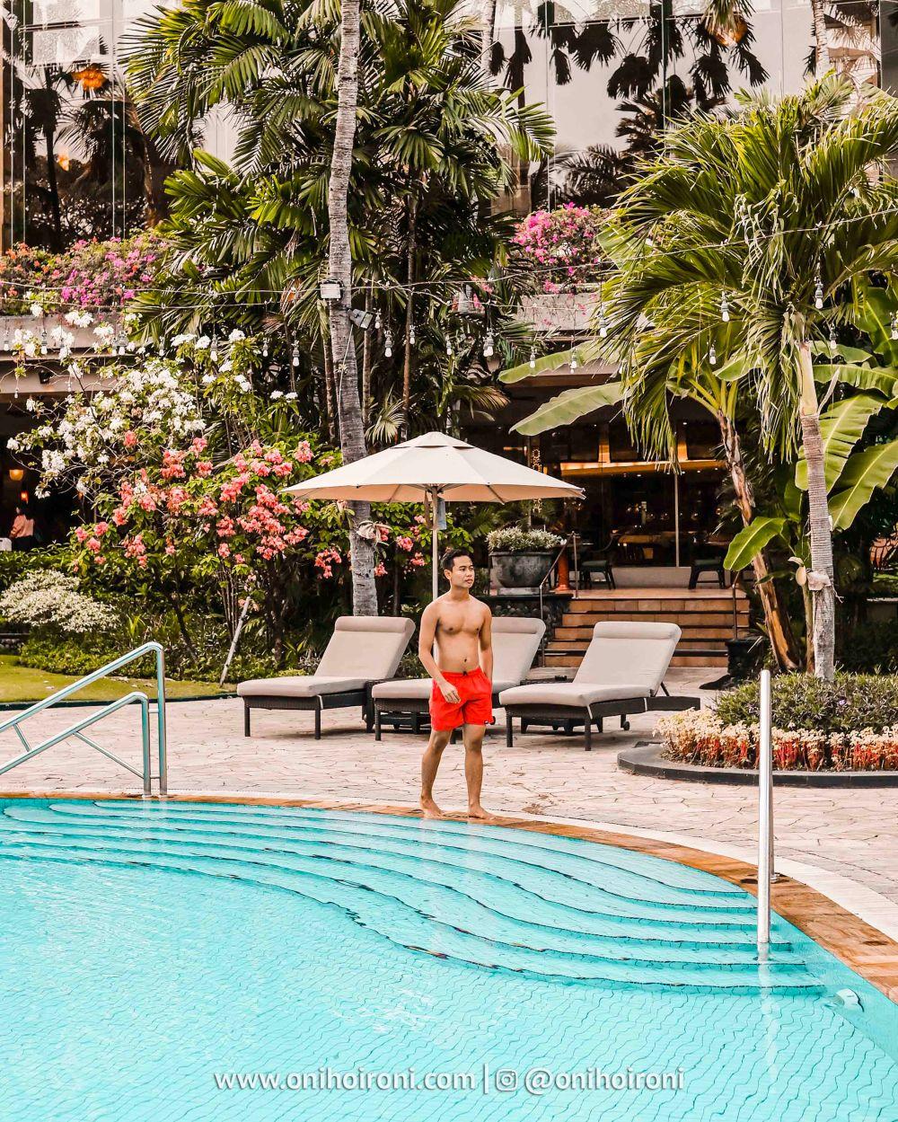 3 Review Swimming Pool kolam renang Shangrila Surabaya Hotel Oni hoironi