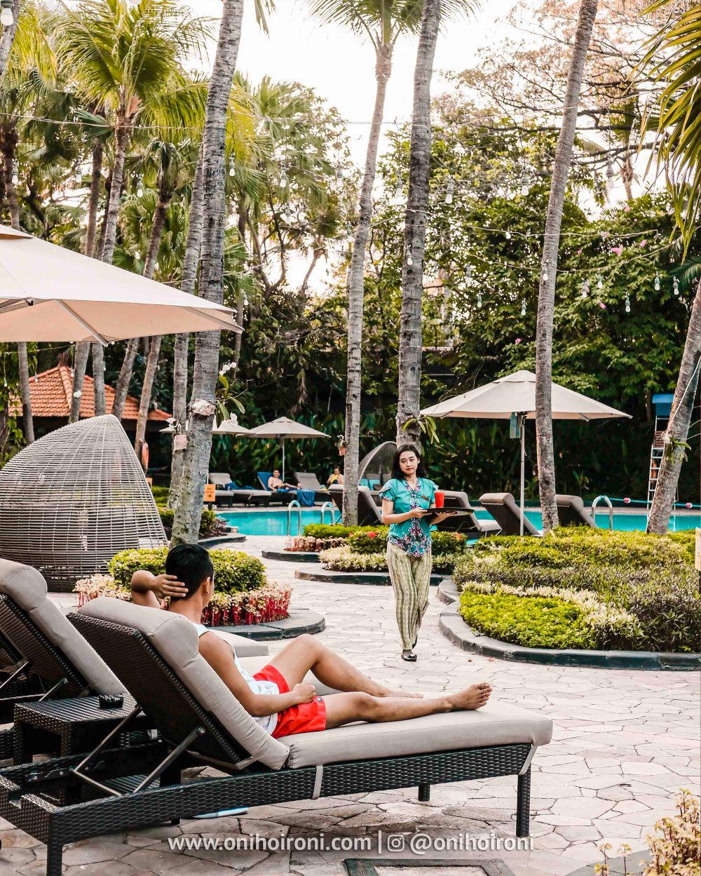 5 Review Swimming Pool kolam renang Shangrila Surabaya Hotel Oni hoironi