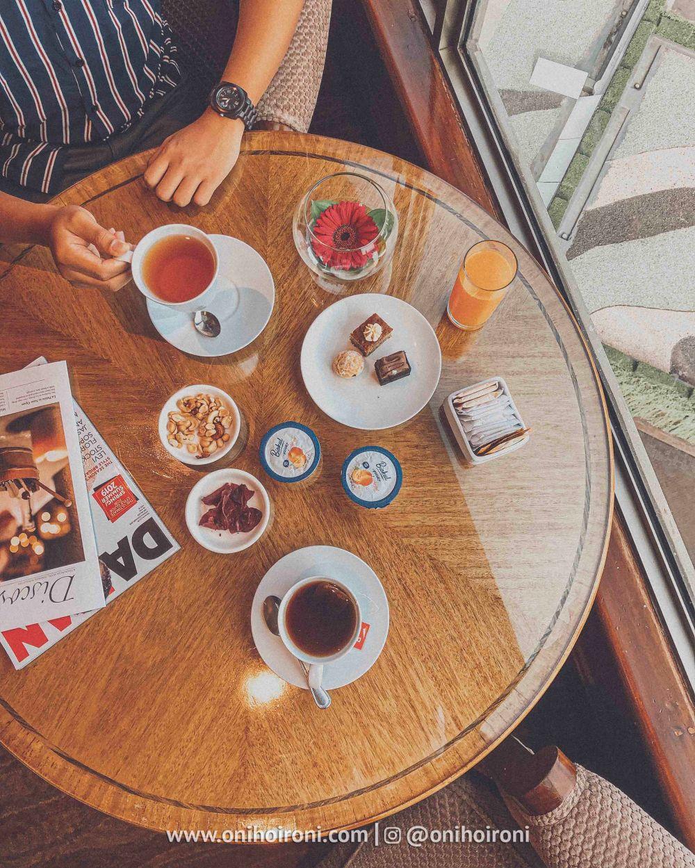 1 Review afternoon tea Horizon Club Lounge Shangrila Surabaya Hotel Oni hoironi
