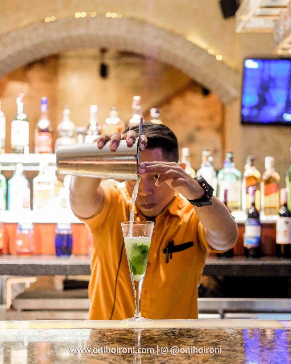 1 Review Desparado Lounge Shangrila Surabaya Hotel Oni hoironi