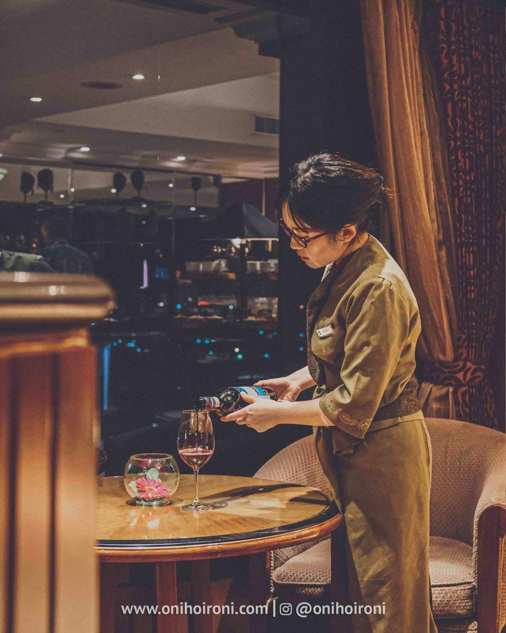 1 Review Evening Cocktail Horizon Club Lounge Shangrila Surabaya Hotel Oni hoironi