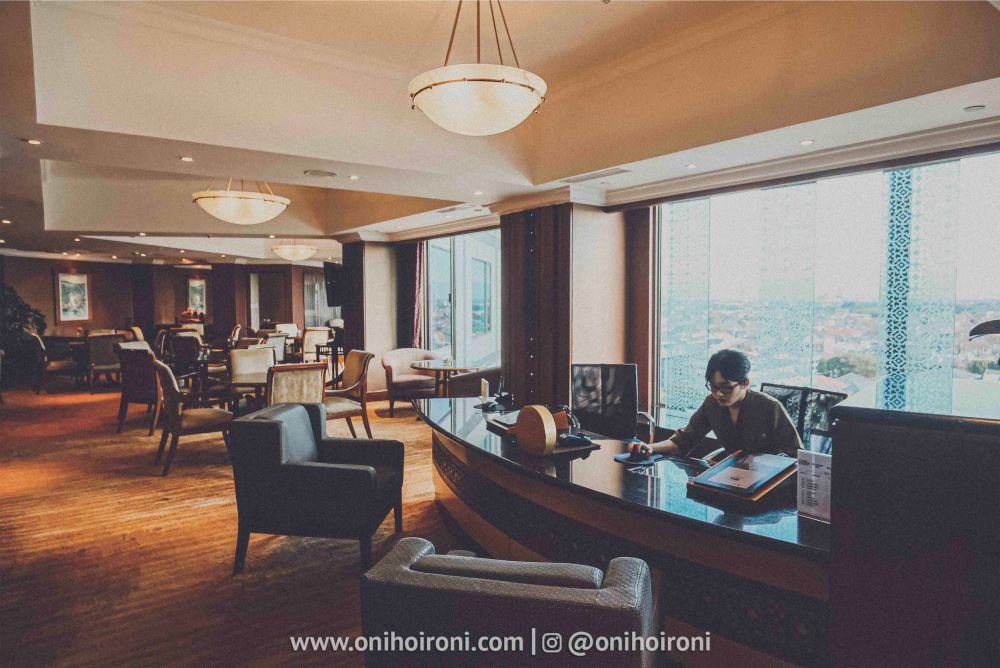 2 Review Horizon Club Lounge Shangrila Surabaya Hotel Oni hoironi