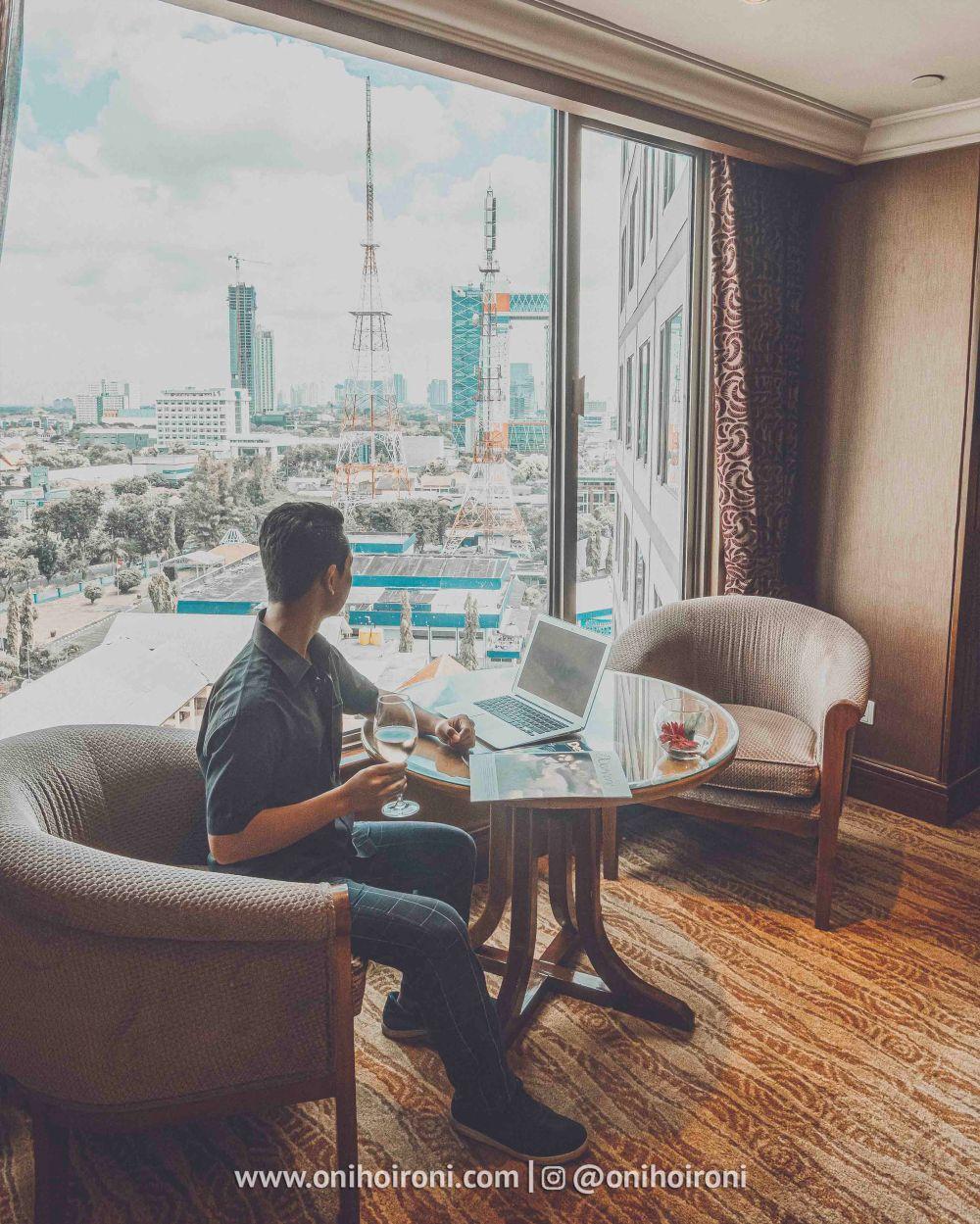 3 Review Horizon Club Lounge Shangrila Surabaya Hotel Oni hoironi
