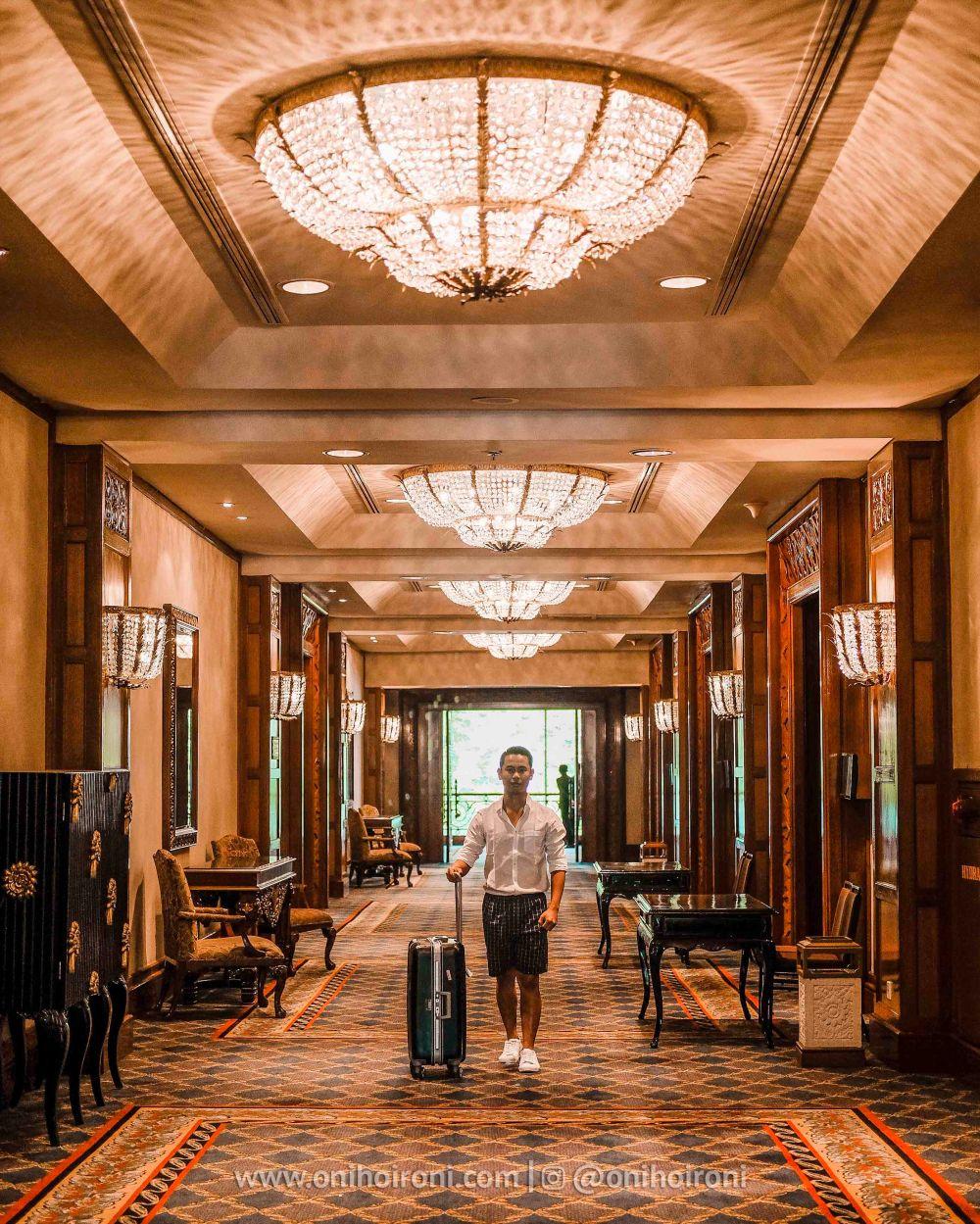 5 Review Lobby Shangrila Surabaya Hotel Oni hoironi