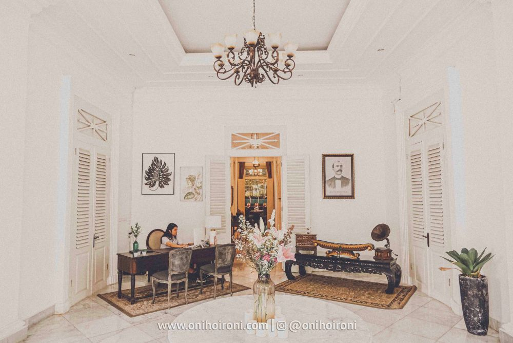 Review lobby The Melchior Bogor by Baio Oni Hoironi