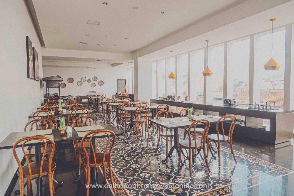 1 Restaurant whiz prime hotel maliboro review oni hoironi
