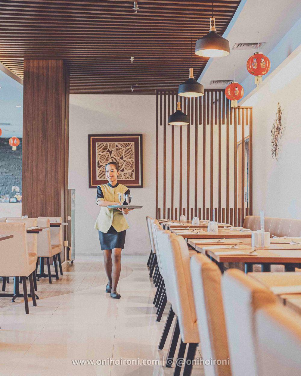 2 Restaurant Review Hotel Grand Whiz Poins Simatupang Jakarta oni hoironi