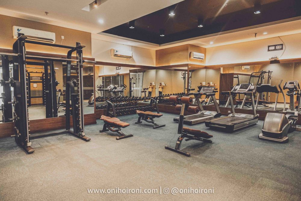 3 Fitness Review Hotel Grand Whiz Poins Simatupang Jakarta oni hoironi