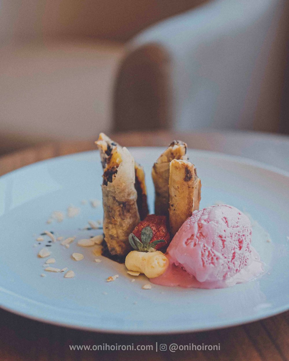 4 makanan presentasi Review Hotel Grand Whiz Poins Simatupang Jakarta oni hoironi
