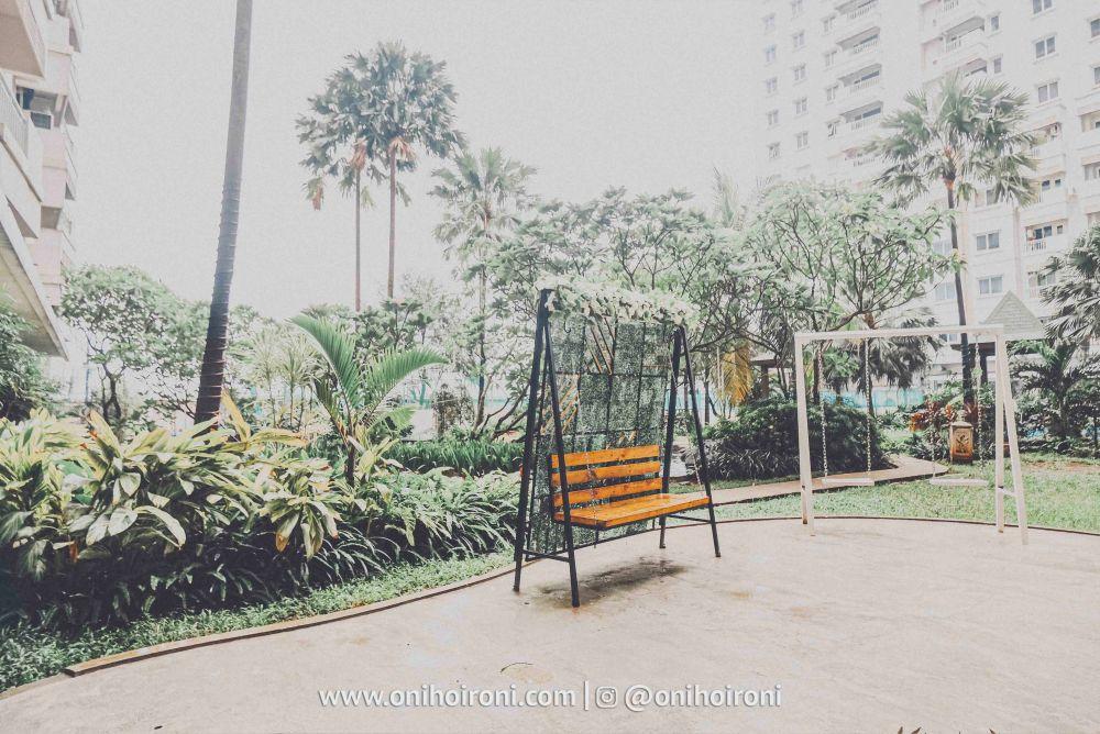 5 Lobby Review Hotel Grand Whiz Poins Simatupang Jakarta oni hoironi.jpg