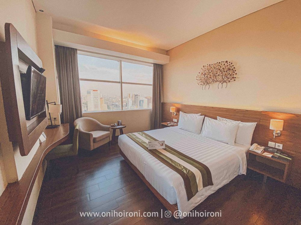 7 Lobby Review Hotel Grand Whiz Poins Simatupang Jakarta oni hoironi