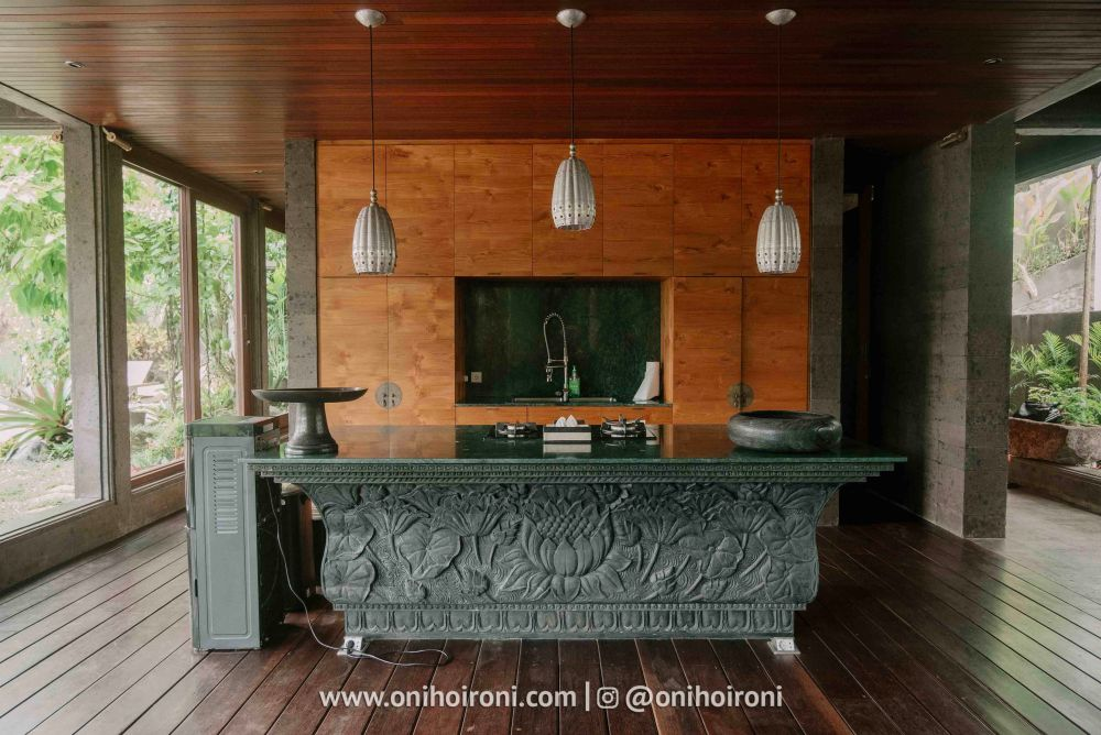 1 kitchen room review Dragon house bali penjiwaan community onihoironi.jpg