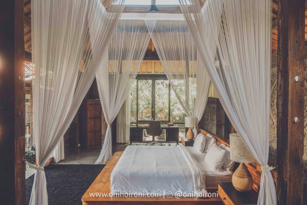 2 review room Mother ship house bali oni hoironi