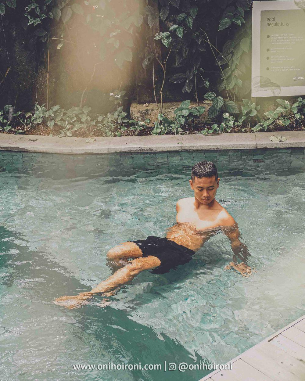 2 Swimming pool artotel haniman ubud bali oni hoironi