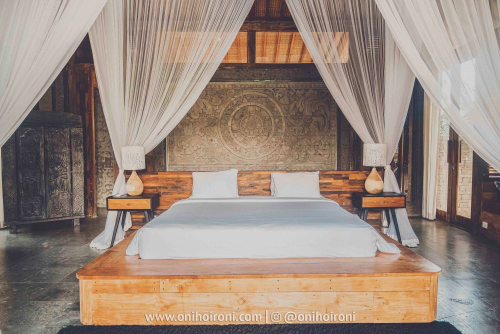 4 review room Mother ship house bali oni hoironi