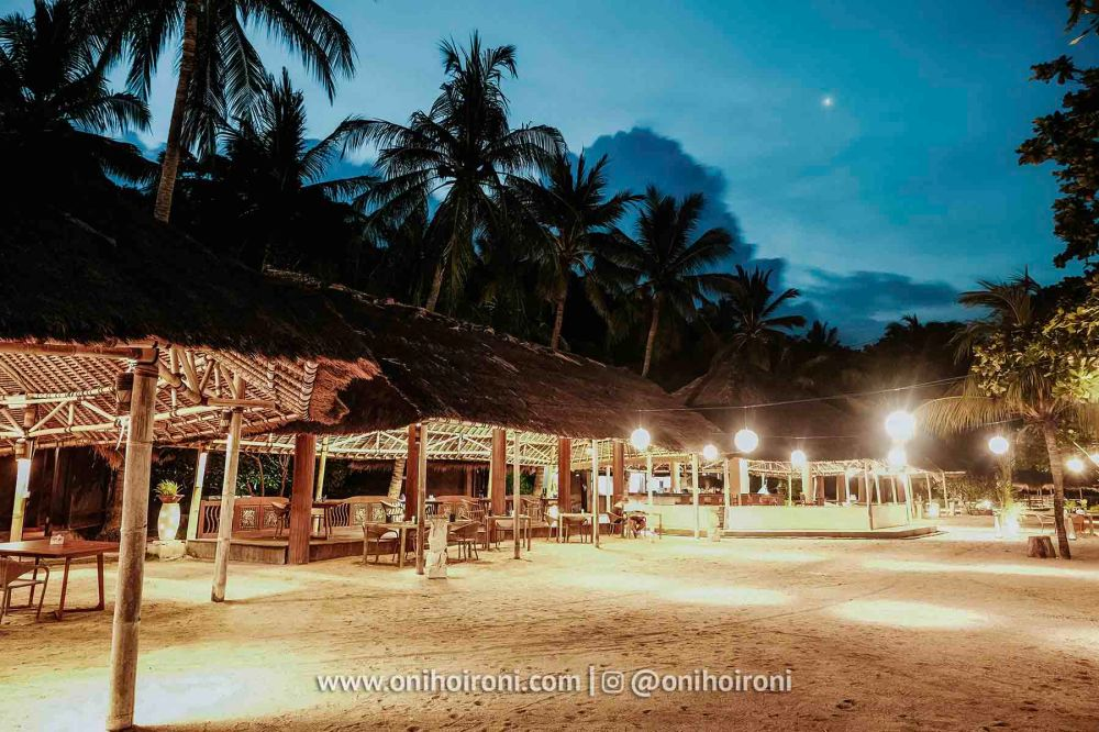 1 Beach club review Wyndham Sundancer Resort Lombok onihoironi