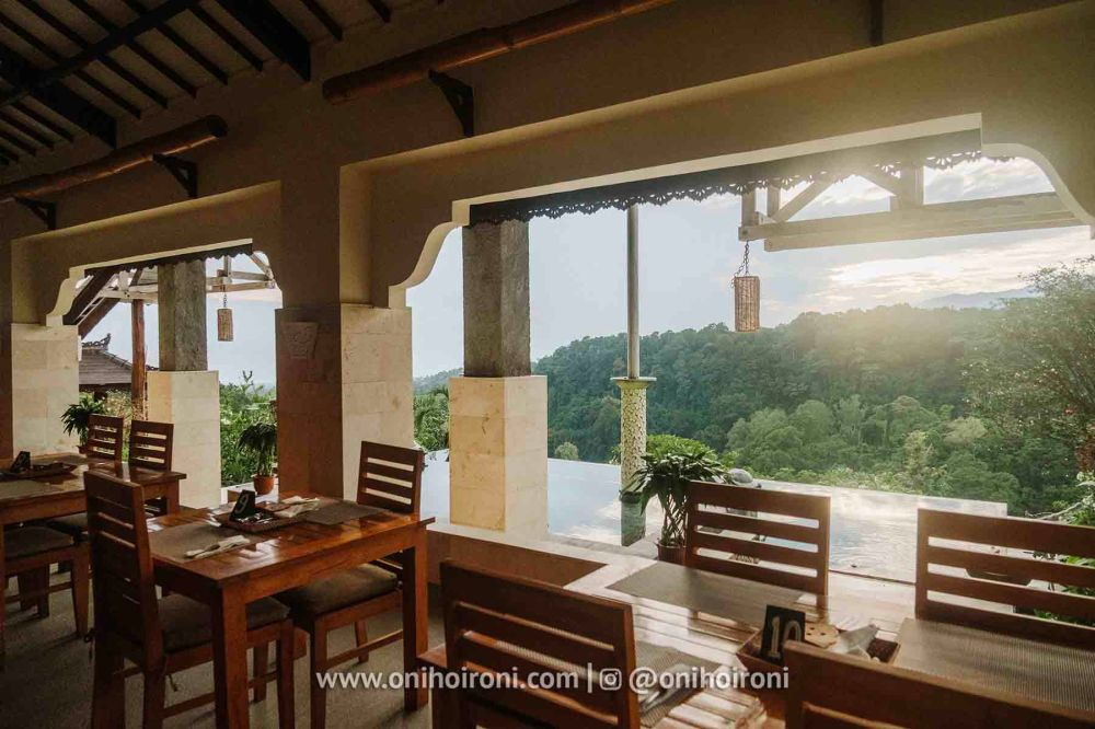 1 review restaurant Rinjani Lodge oni hoironi