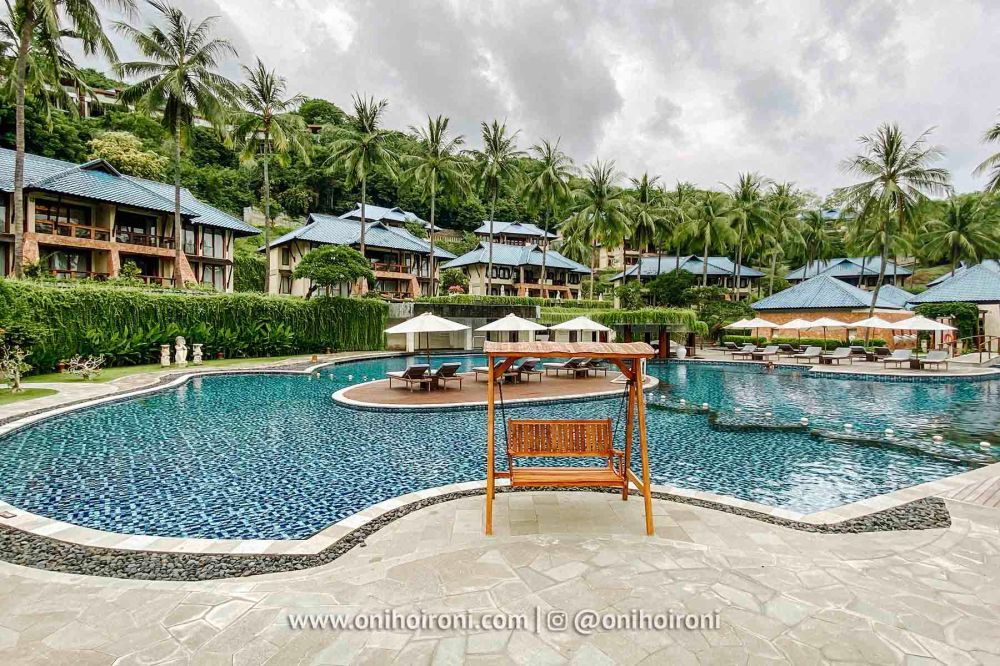 1 Swimming Pool review Wyndham Sundancer Resort Lombok onihoironi