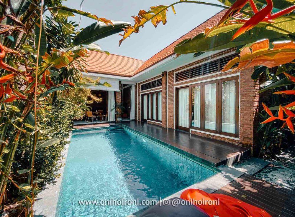 11 1 Chalet By Sabda Rekomendasi villa yang dekat dengan La Favela Oni Hoironi.jpg