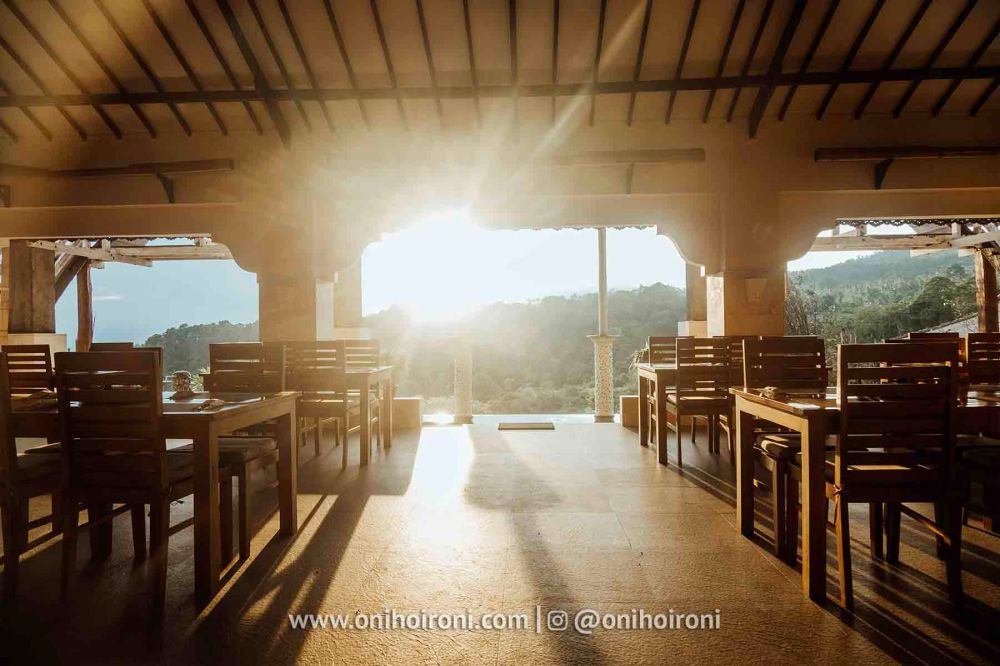 2 review restaurant Rinjani Lodge oni hoironi