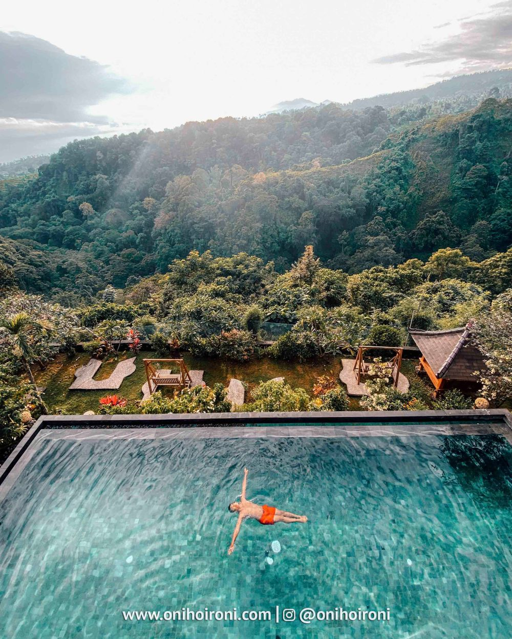 2 Swimming pool review rinjani lodge lombok onihoironi