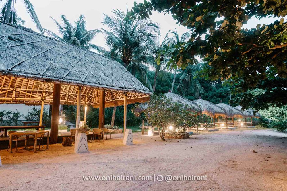 4 Beach club review Wyndham Sundancer Resort Lombok onihoironi